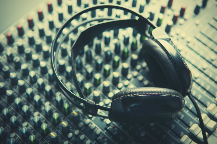 What Independent Hip-Hop Artists Need to Look for in an Audio Engineer